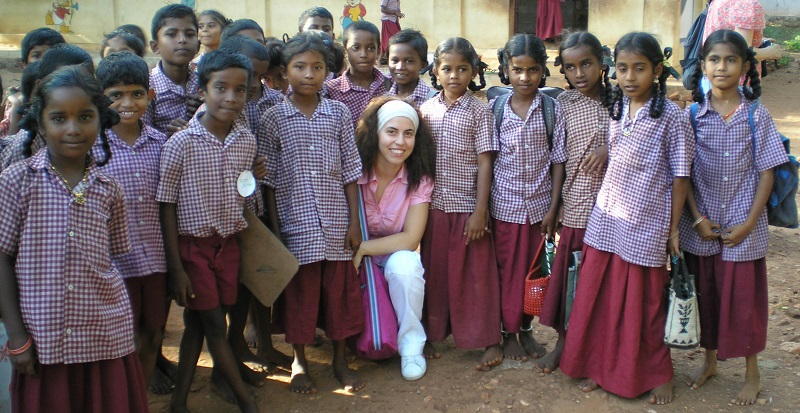 Yarnapuram Angela e bambini